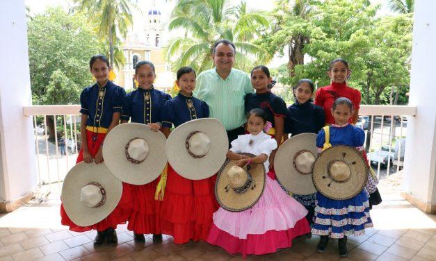 Escaramuzas Villalvarenses Visitaron a Felipe Cruz y Participarán en Competencia Nacional