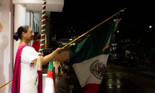 Alcaldesa de Manzanillo vitorea a los héroes de nuestra Independencia