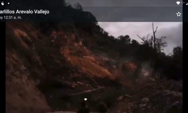 Se registra enorme derrumbe por la carretera Villa de Álvarez-Minatitlán; la vialidad cerrada totalmente